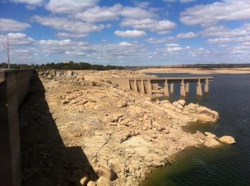 Almendra reservoir