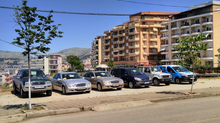 Car sales in Sarande